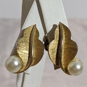 Vintage Gold & Pearl Crown Trifari Clip Earrings